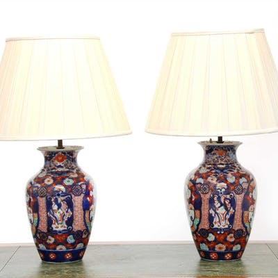A pair of Imari vase table lamps