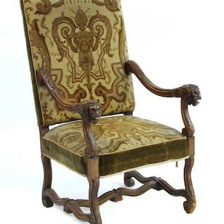 A French 19th century oak throne chair