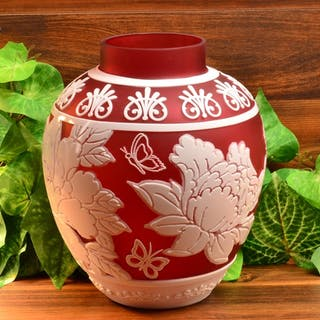 Cameo Ginger Jar/Vase Cranberry Nectar 3 Color White Cranberry Crystal