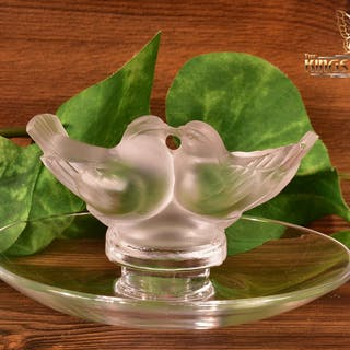 Lalique Crystal pre-1978 Deux Colombes Love Birds Ash Pin Tray