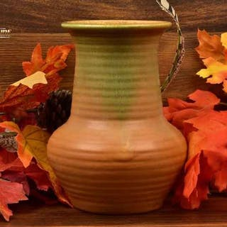 Muncie Pottery 1928-29 Green Over Pumpkin Ribbed Vase # 441-6 1/2