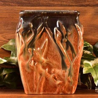 Muncie Pottery 1929 Black Peachskin Katydid Vase # 194-6 Haley Design