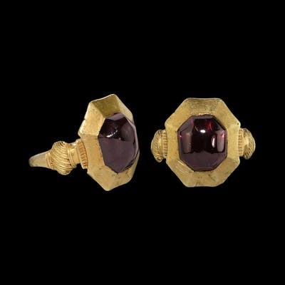 The 'Kingswood' Medieval Plantagenet Gold Ring with Garnet
