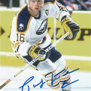Pat Lafontaine Autographed Buffalo Sabres 16X20 Photo