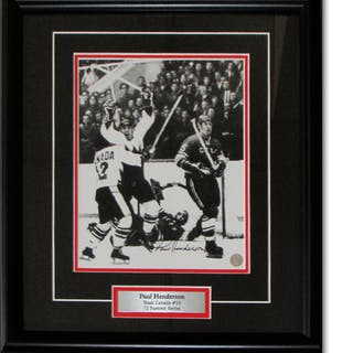 Paul Henderson Autographed 1972 Summit Series Framed 8X10 Photo