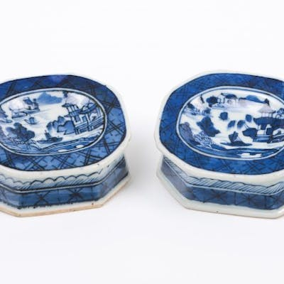 Chinese export porcelain Blue decoration with riverscape...
