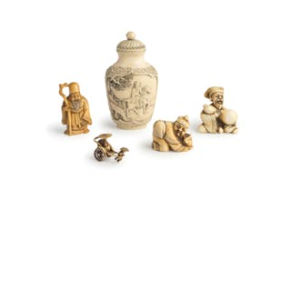 A CHINESE CARVED IVORY SNUFF-BOTTLE, TOGETHER WITH THREE JAPANESE