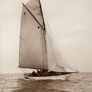 Early silver gelatin photographic print by Beken of Cowes – Yacht Spica
