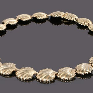 Christian Dior gilt metal necklace