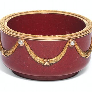 A JEWELLED TWO-COLOUR GOLD-MOUNTED PURPURINE BOWL MARKED FABERGÉ