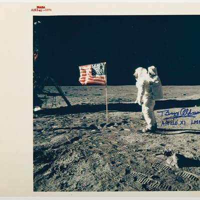 THE U.S. FLAG ON THE MOON – Photograph signed. 1969.