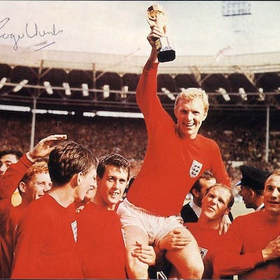 1966 World Cup Winners photograph - signed Roger Hunt