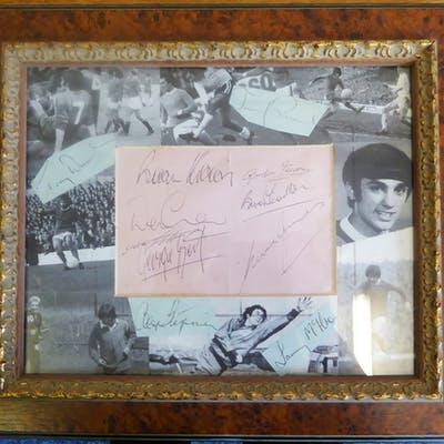 MANCHESTER UNITED FOOTBALL TEAM - signatures x11 incl. Dennis Law