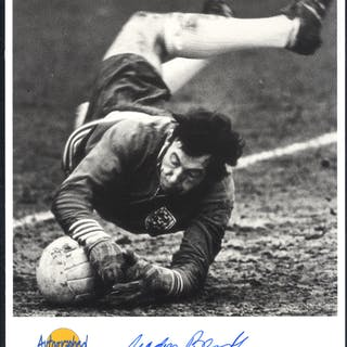 FOOTBALL - ENGLAND GOALKEEPERS Gordon Banks, Peter Bonetti, Peter