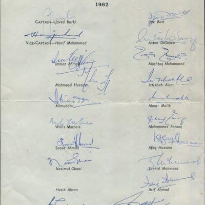 CRICKET - 1962 Pakistan Team on Tour of England