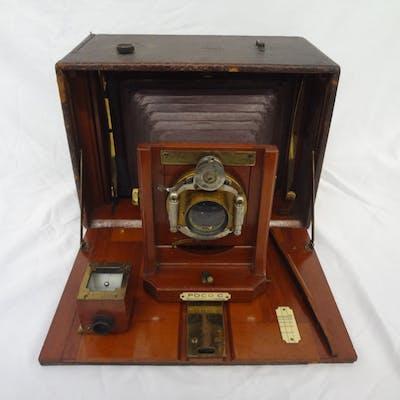 "Antique 1890's Rochester Camera Co. Poco ""C"" Folding bed Plate Camera"