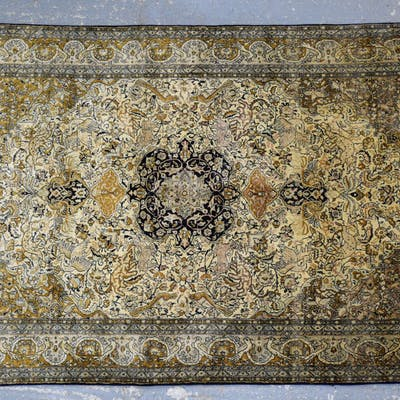 Ground Silk Rug With Multiple Borders