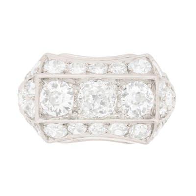 Art Deco Three Stone Diamond Cluster Ring, c.1920s