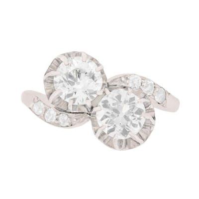 Art Deco Two Stone Diamond Twist Ring, c.1920s