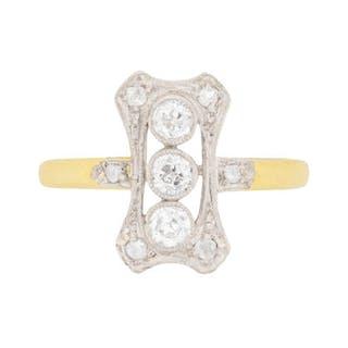 Edwardian Old Cut Diamond Cluster Ring, c.1910
