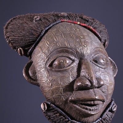 Masque Ngoin Bamoun (N° 10583)