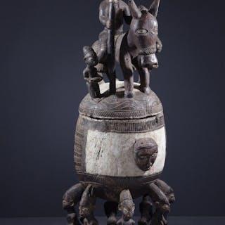 Pot cérémoniel Yoruba (N° 11183)