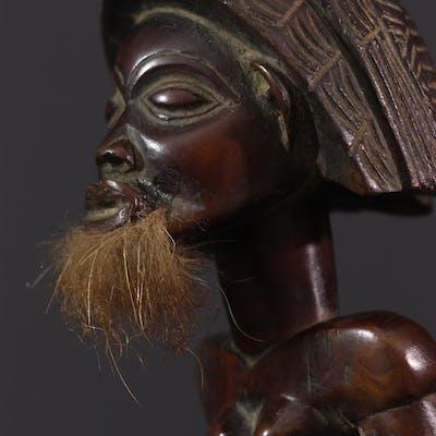 Statuette d'ancêtre Chokwe (N° 12723) | Barnebys