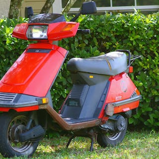 Tom Petty Owned & Heavily Used 1992 Honda Elite Scooter