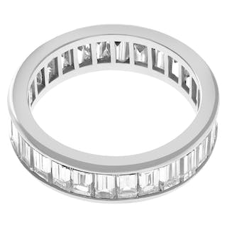 Baguette eternity band in platinum with approx. 5.50 cts in diamonds