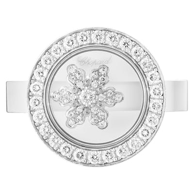 Chopard Snowflake ring in 18k white gold. 0.56 cts in diamonds. Size 7