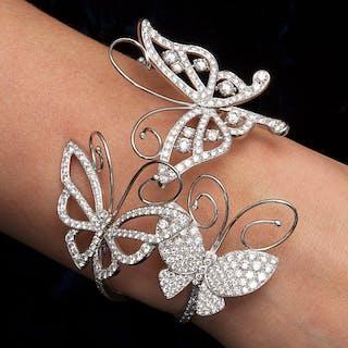 "VAN CLEEF & ARPELS"" Flying Butterfly"" Bracelet Small set in 18K White"