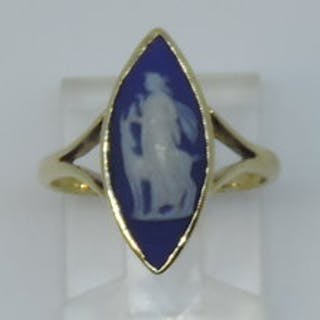 9ct gold Wedgwood ring depicting Diana the Huntress and her deer