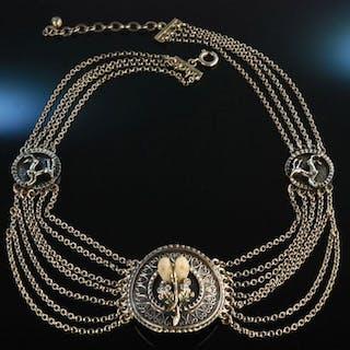 Zu Tracht und Jagd! Schönes Grandl Collier Silber 835 mit springenden Hirschen