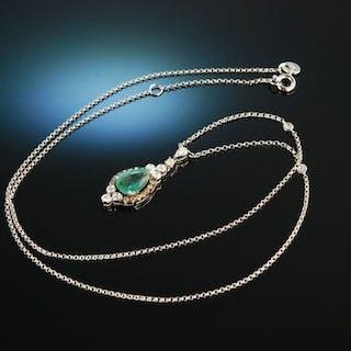 Emerald Drop! Zarter Anhänger Weiß Gold 750 Smaragd Tropfen Brillanten