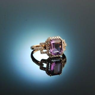 Violet Love Affaire! Wundervoller Amethyst Diamant Ring Rotgold 750 Brillanten