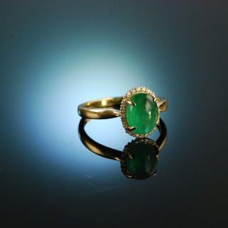 Greenery! Wundervoller Smaragd Cabochon Verlobungs Ring Gelb Gold 750 Diamanten