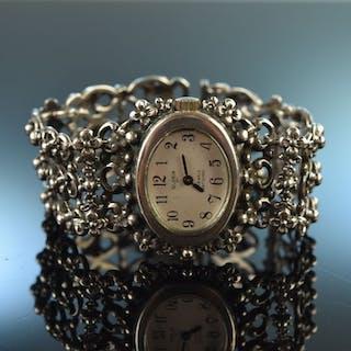 Um 1980! Schöne Trachten Armbanduhr um 1980 Silber 835 Handaufzug