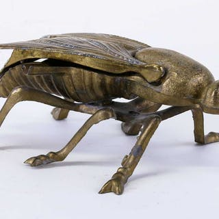 ASK mässing i form av fluga
