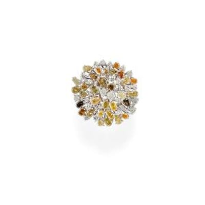 () - A 18K white gold and fancy diamond ring