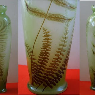 Emile GALLE - Glass paste vase decorated with ferns, signed, 42cm - Nancy