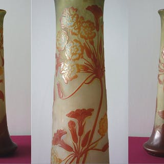 Émile GALLE - Glass paste vase decorated with Ombelles in flower