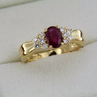 Ring 18K yellow gold RUBY and DIAMONDS