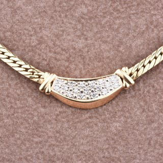 Necklace in yellow gold of 18 carats of 17 diamonds 0.17 carats approx.