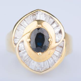 18 ct yellow gold 1 sapphire ring approx. 0.75 ct 2 diamonds approx.