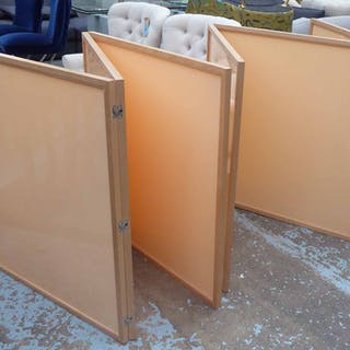 TRI FOLDING FLOOR SCREENS