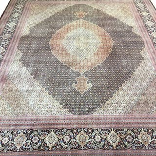 FINE PART SILK PERSIAN TABRIZ CARPET