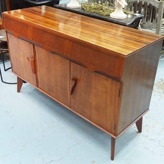 1970'S SIDEBOARD