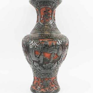 A LARGE & FINE 19TH CENTURY CINNABAR LACQUER TWO COLOURED VASE
