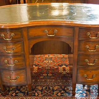S&H JEWELL KIDNEY SHAPED KNEEHOLE DESK