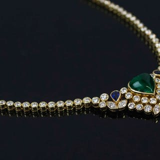 A DIAMOND AND CABOCHON EMERALD NECKLACE